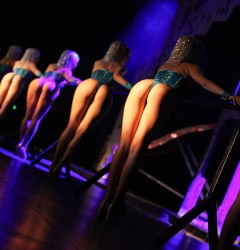 french-cabaret sexy girls tour