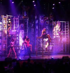 dancers french cabaret show tour