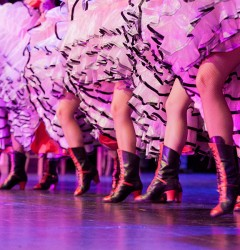 french cabaret tour french cancan